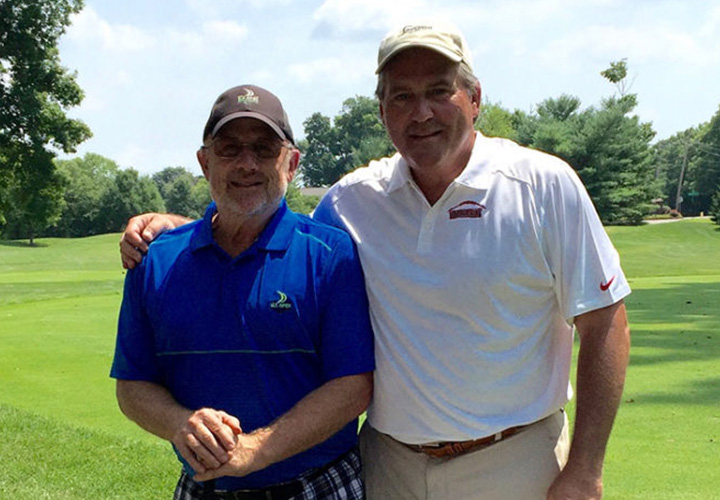 Patient undergoes bilateral knee replacement and returns to golf